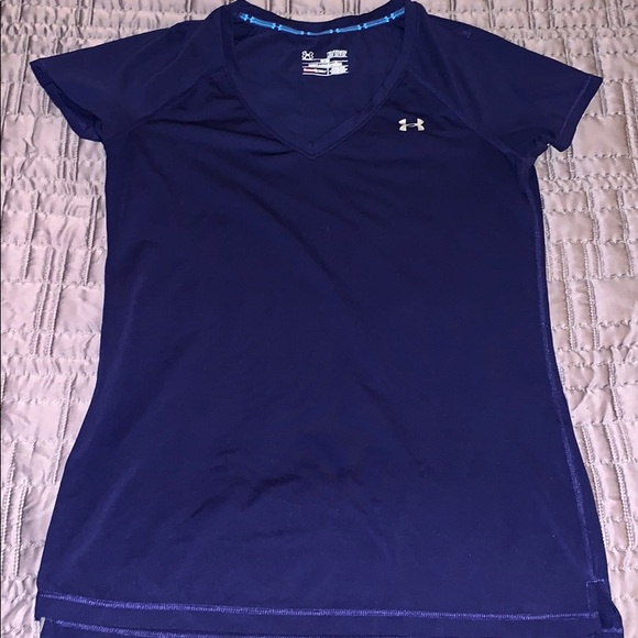 NWT WOMENS UNDER ARMOUR BLUE SHORT SLEEVE FITTED HEAT GEAR TOP SIZE MEDIUM
